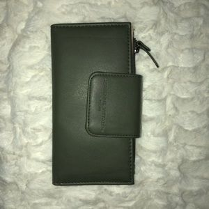 Adrienne Vittadini RFID Bifold wallet